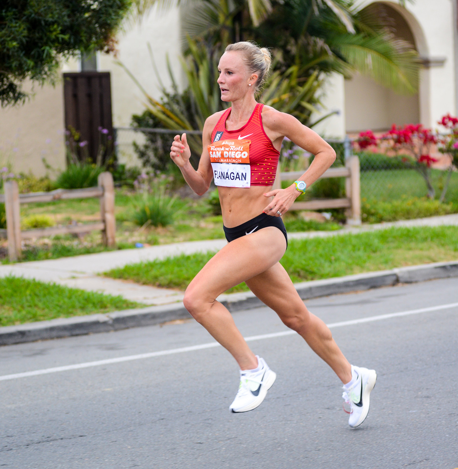 Shalane Flanaghan running and showing great running form