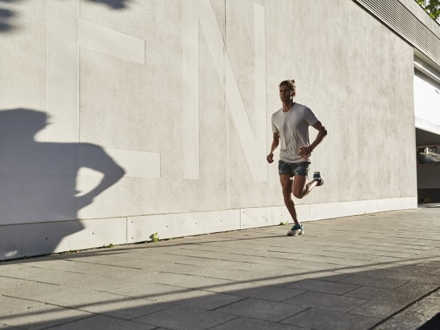 3 quick tips on checking your running form