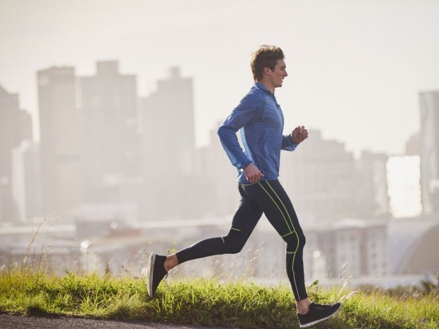 15 minutes of running boosts your mood more than meditating