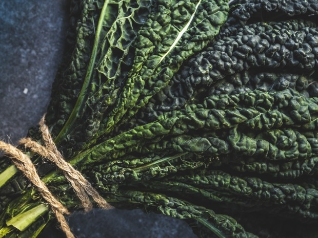 what runners should eat in the winter - kale