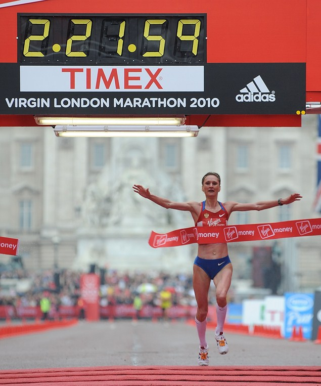 Liliya Shobukhova wins the 2010 Virgin London Marathon. Photo: Getty Images
