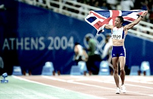 Kelly Holmes celebrating 800m victory in Athens (credit: Jamie Squire/Getty Images)